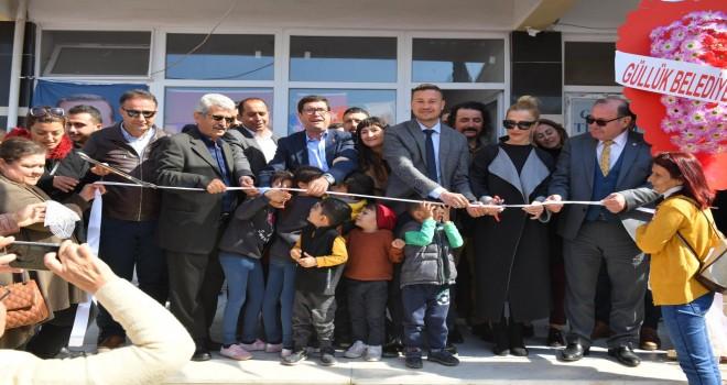 AK Partili Saylak Güllük bürosunu açtı