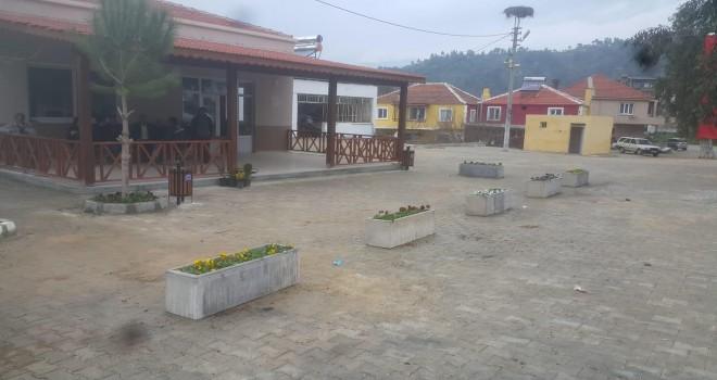 Milas Belediyesi tarafından başlatılan peyzaj çalışmaları devam ediyor.