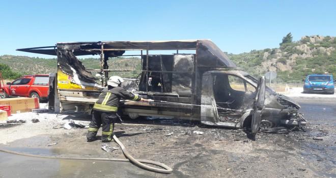Danişment  yolunda araç yangını: Kullanılamaz hale geldi!